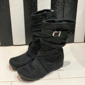 Woman's Mid Length Suede Black Boots Size 7